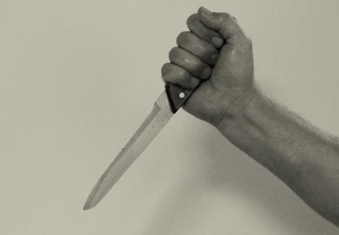 Разъяренный мужчина зарезал любимую из-за отказа пойти сним домой