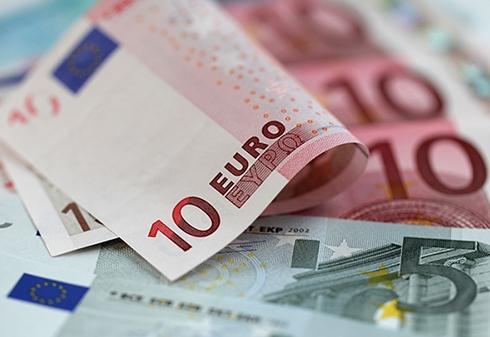 Курс основных валют незначительно увеличился