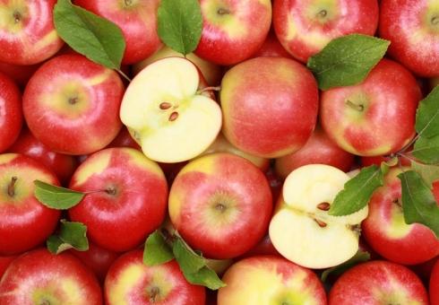 Нарынке вАткарске обнаружили 21кг турецких яблок