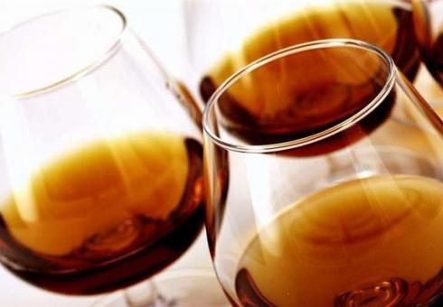 Юноша похитил измагазина бутылку Hennessy за12 тыс. руб.