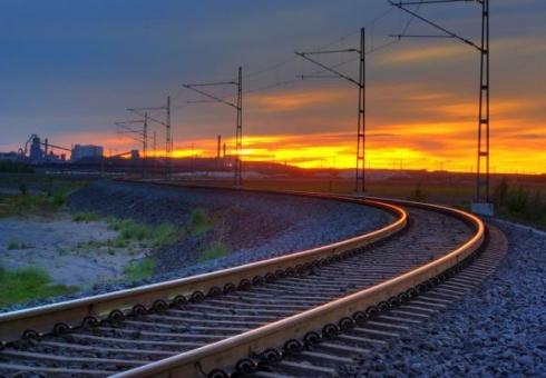 Всоседнем сПензенской областью регионе ассистента машиниста сбил грузовой поезд