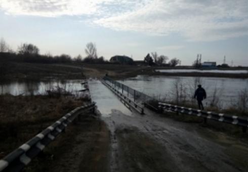 Затоплен мост вРтищевском районе