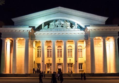 Нареконструкцию Театра оперы ибалета выделят 2,5 млрд. руб.