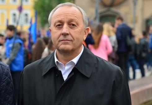 И.о. руководителя Стерлитамака Владимир Куликов поздравил сДнем учителя