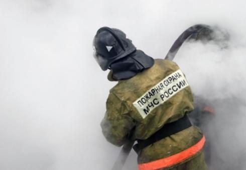 Ночью вСаратове взорвались исгорели три гаража