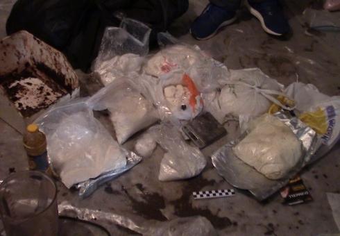 ВСаратове схвачен представитель с7,5кг синтетических наркотиков