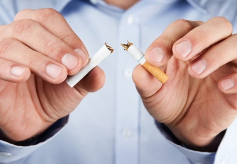 20% граждан России выкуривают пачку сигарет вдень— Опрос