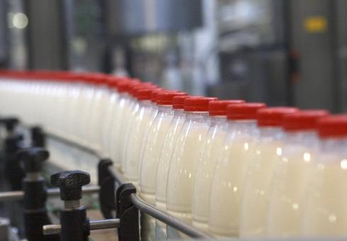 Омский Роспотребнадзор снял среализации полтонны продуктов измолока