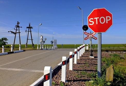 ВЛенинском районе наночь закроют железнодорожный переезд